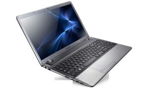 SAMSUNG NP355V5C, 15.6 LED Matt 1366x768, AMD Quad-Core™ A10-4600M 2.3GHz, 8GB, 1000GB, HDMI, DSUB, AMD Radeon HD 7660G + HD 7670M Dual Graphics 2GB, DDR3, Windows 8 - 64 bit, 6cell, titán-ezüst