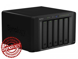 Synology DiskStation DS1515+ 5-lemezes NAS (4×2,4 GHz CPU, 2 GB RAM)