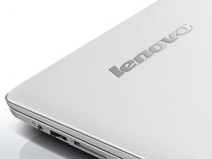 Lenovo Ideapad 15,6 FHD IPS LED 700 - 80RU00LEHV - Fehér Intel® Core™ i5-6300HQ /2,30GHz - 3,20GHz/, 8GB 2133MHz, 256GB SSD, NVIDIA® GeForce® GTX950M 4GB, Wifi, Bluetooth, Webkamera, Háttérvilágítású billentyűzet, FreeDOS, Matt kijelző