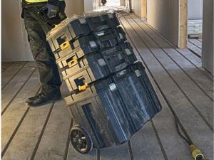 DeWALT DWST1-75799 Guruló TSTAK koffer