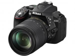 Nikon D5300 fekete fényképezőgép + 18-105 AF-S VR KIT Objektív