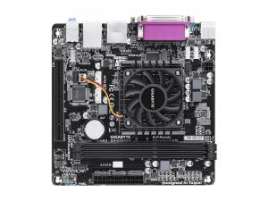 GIGABYTE S769 E3000N alaplap AMD E2-3000 APU-val