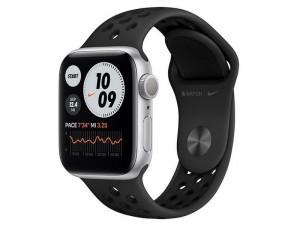 Apple Watch Nike Series 6 GPS 44mm Ezüst Alumínium Ház Fekete Sportszíjjal